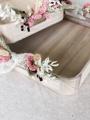 Afbeeldingen van Presentatieset houten dienbladen, met droogbloemencreatie