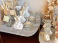 Afbeeldingen van Set van marmeren plateaus op gouden voet