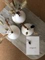 Afbeeldingen van UITVERKOCHT - Set van 3 keramische vaasjes met droogbloemetjes