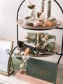 Afbeeldingen van Etagère met keramiek